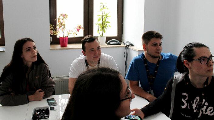 © 2017 - Team Extension - Mobile UX/UI meeting in progress - Bucharest, Romania